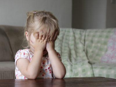 грустный-ребенок